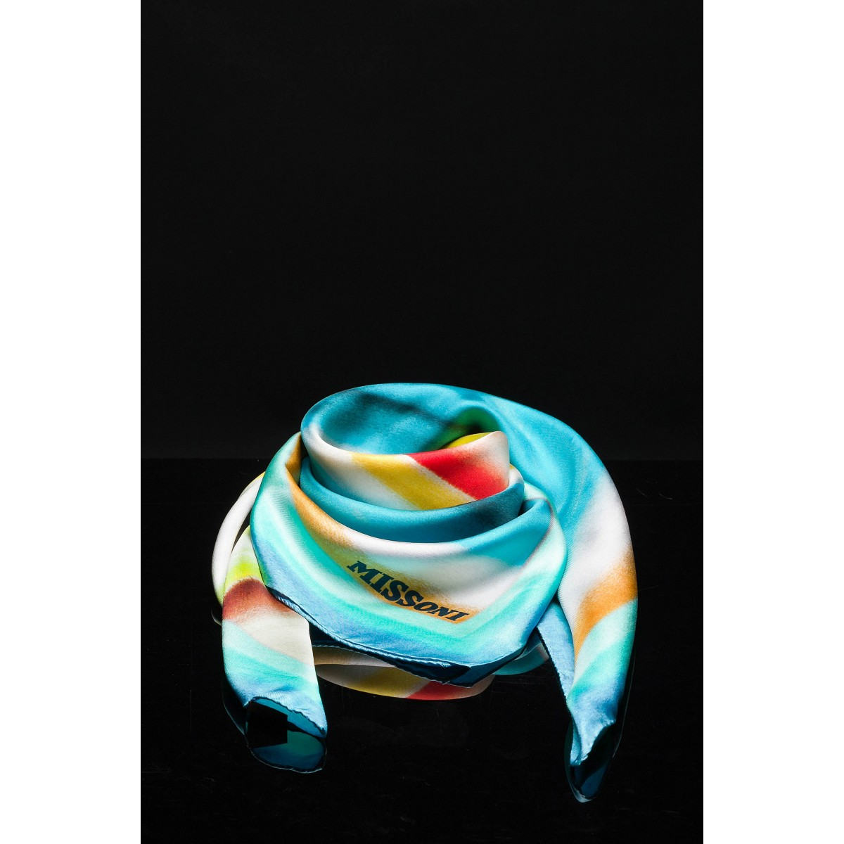 uk availability 6d73a ff335 Foulard in seta stampa a righe sfumate Missoni